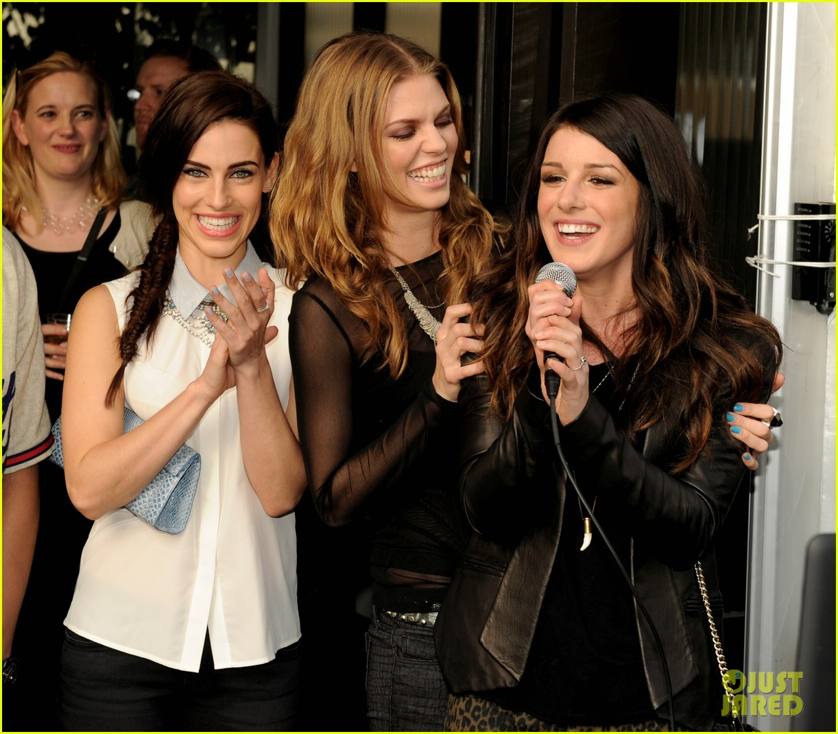 annalynne mccord shenae grimes 90210 wrap party 13