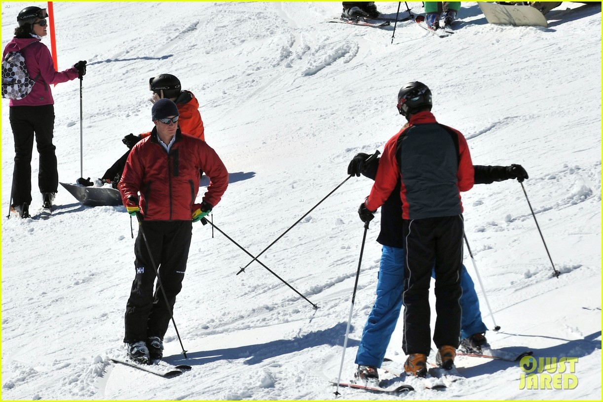 kate middleton pregnant baby bump in the swiss alps 05