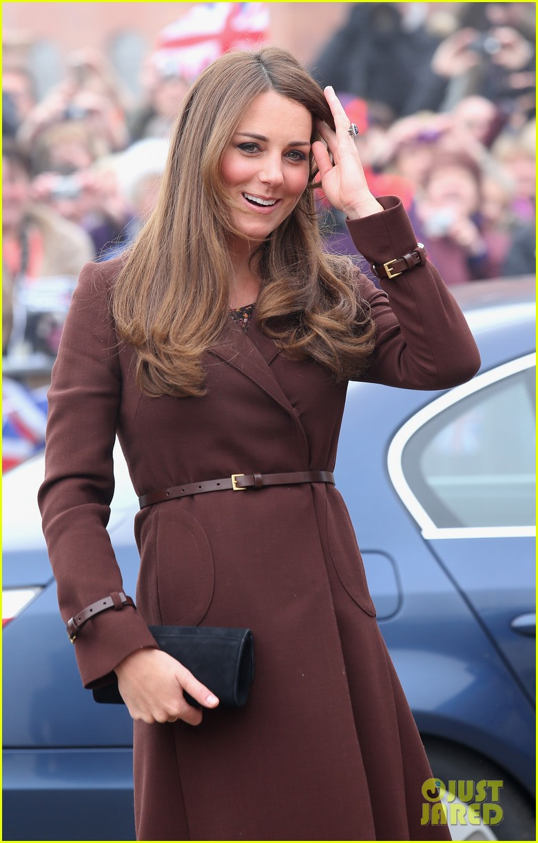 kate middleton pregnant national fishing heritage center visit 03