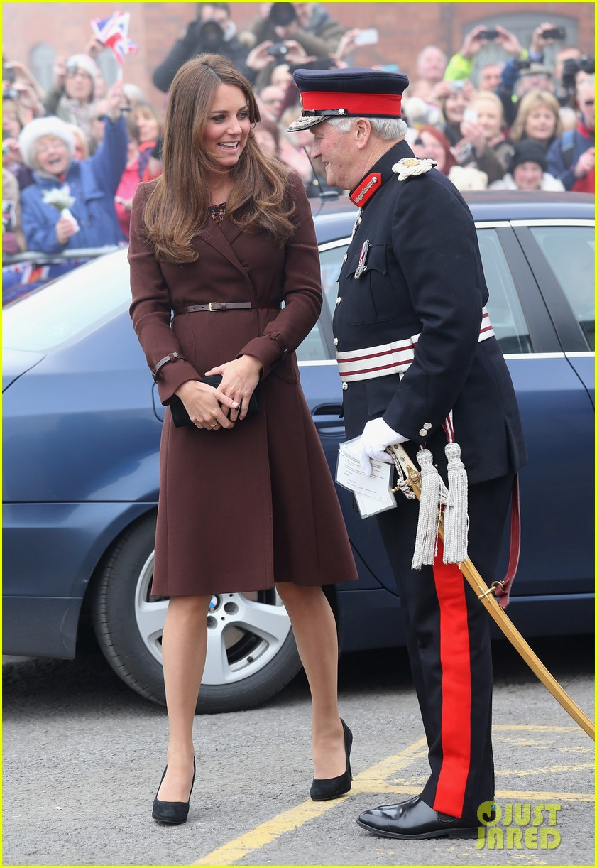 kate middleton pregnant national fishing heritage center visit 05