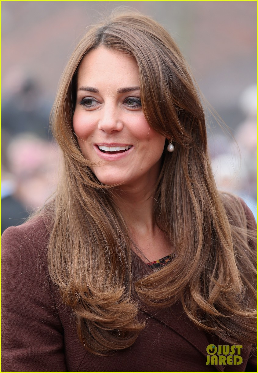 kate middleton pregnant national fishing heritage center visit 08