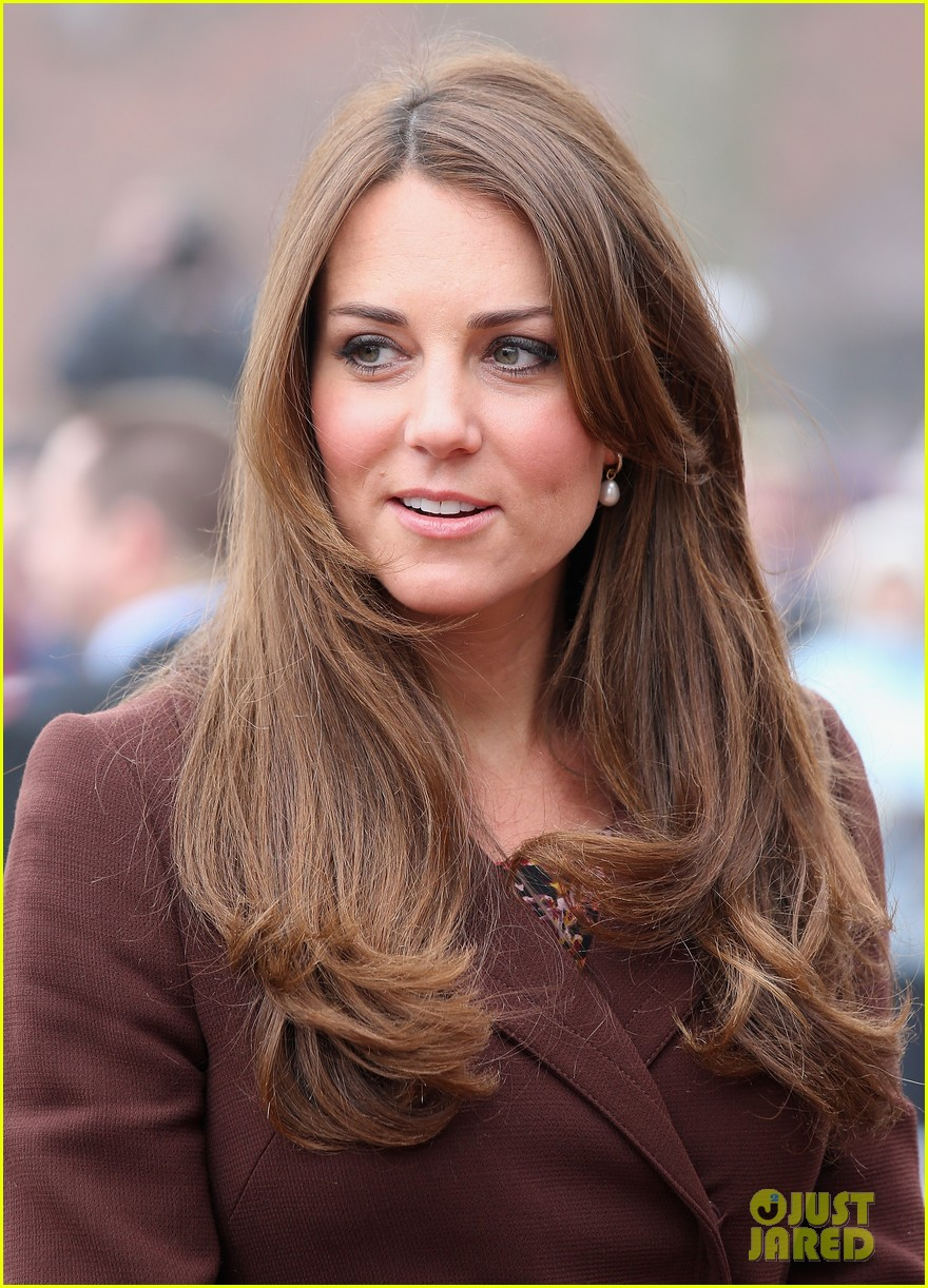 kate middleton pregnant national fishing heritage center visit 09