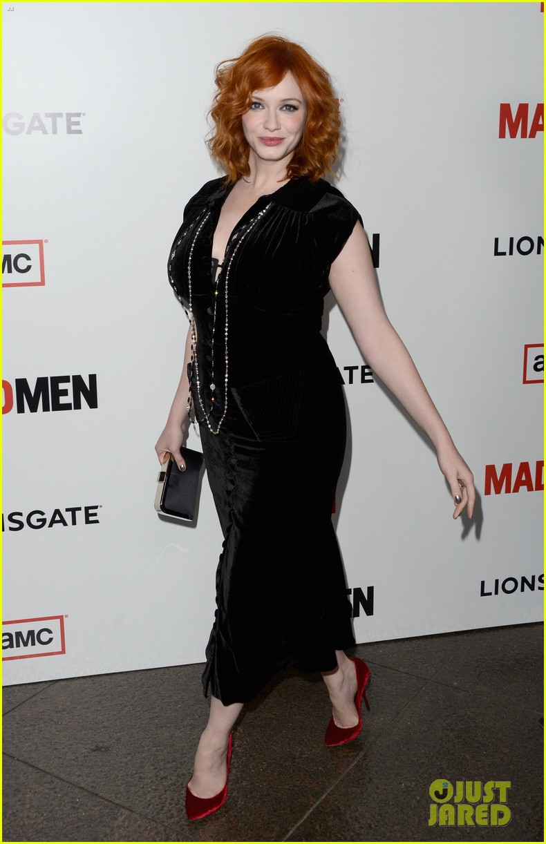 elisabeth moss christina hendricks mad men premiere 13