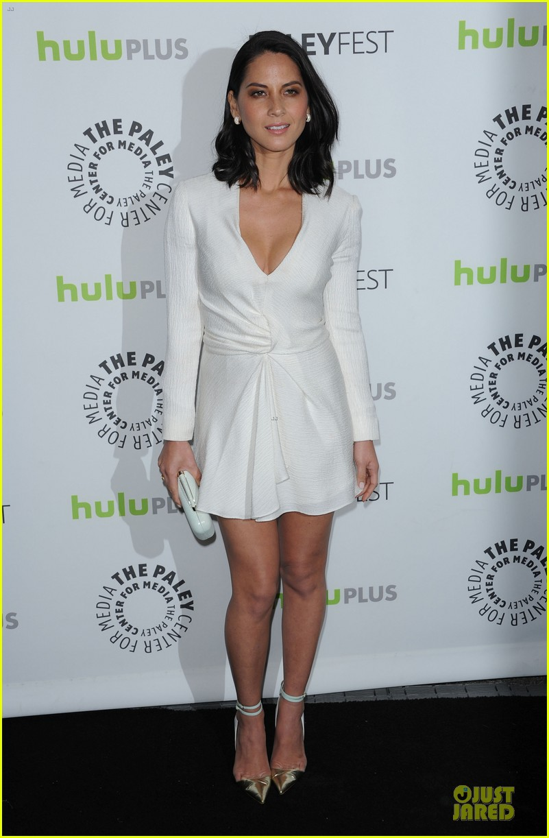 olivia munn dev patel paleyfest with newsroom cast 01