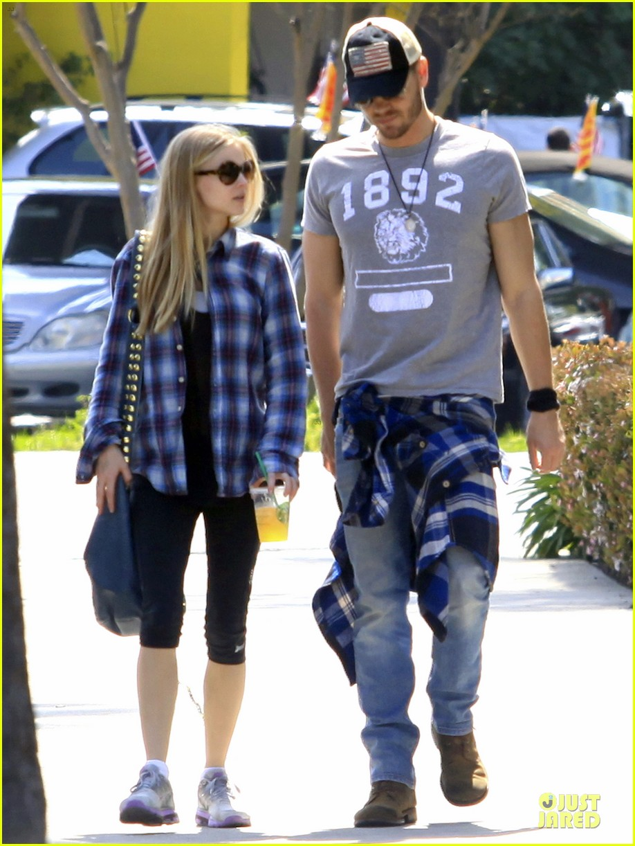 chad michael murray kenzie dalton plaid matching couple 032836299
