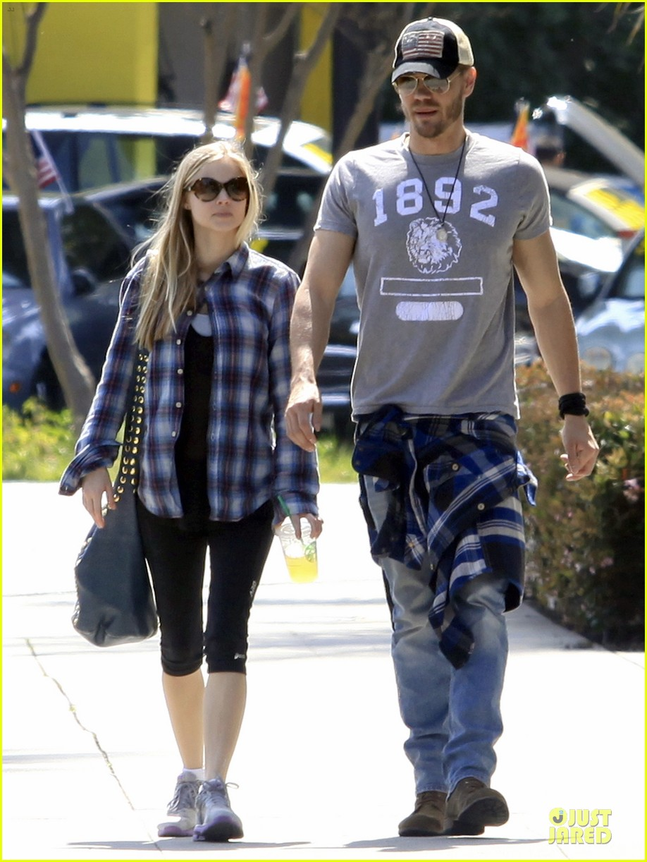 chad michael murray kenzie dalton plaid matching couple 052836301