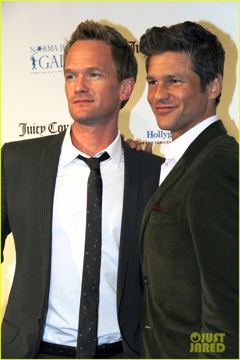 neil patrick harris busy philipps norma jean gala 02