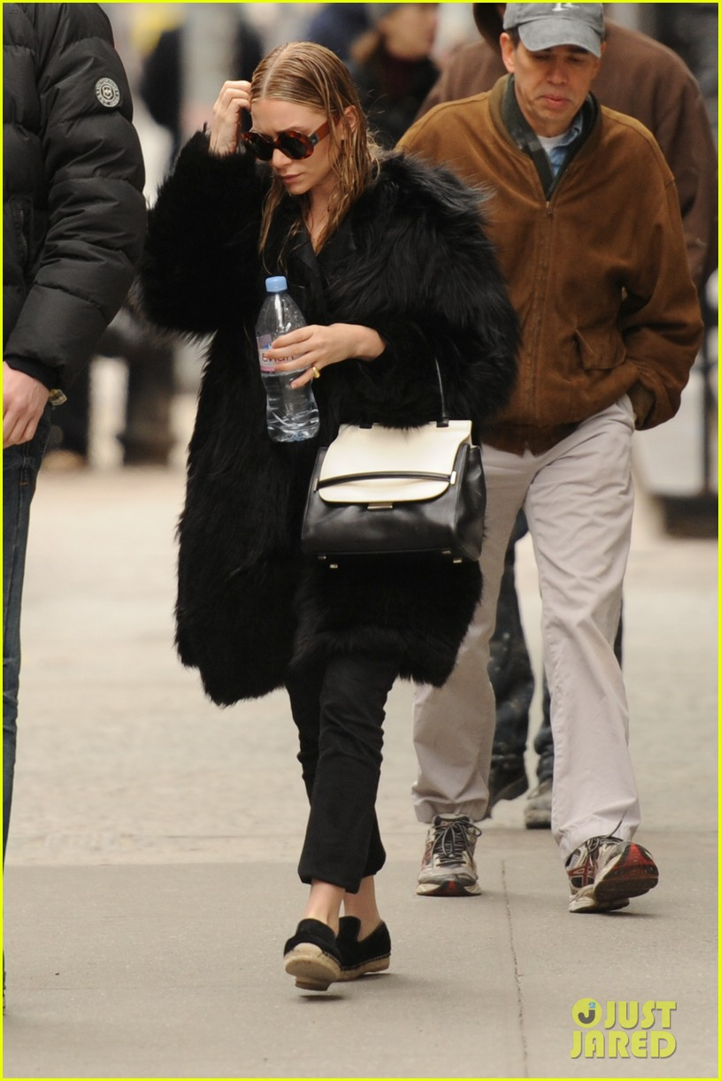ashley olsen wet hair in the big apple 05