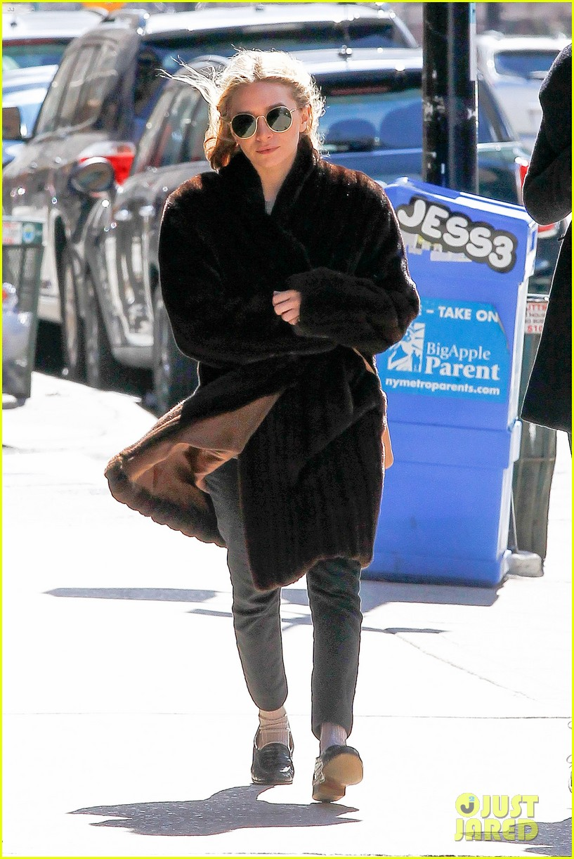 ashley olsen windy nyc errands 08