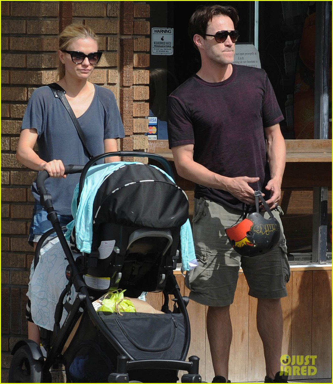 anna paquin stephen moyer abbot kinney with the family 04