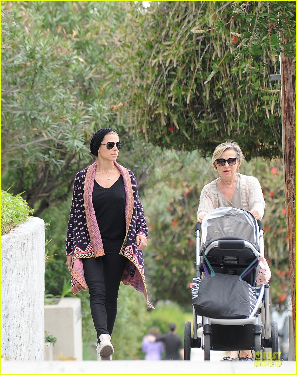 elsa pataky india taverna tony with mom cristina 06