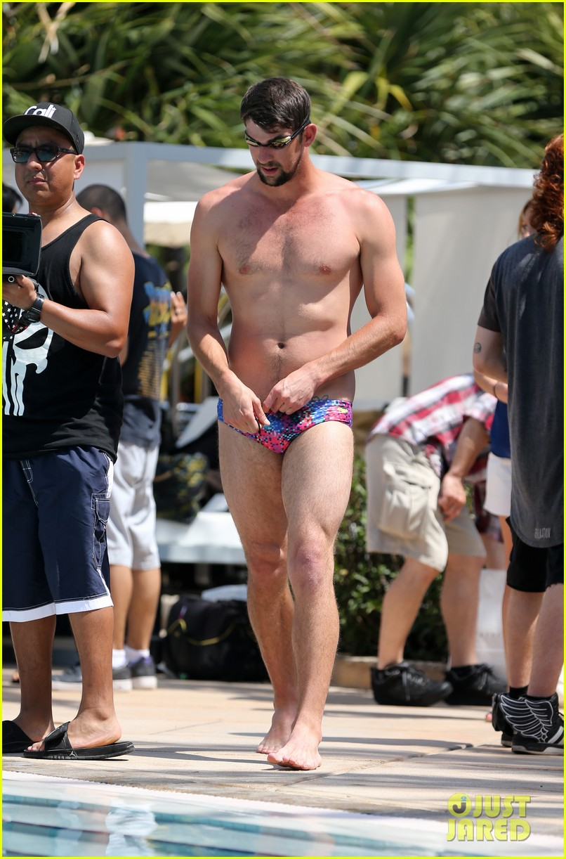 michael phelps shirtless speedo poolside afternoon 06