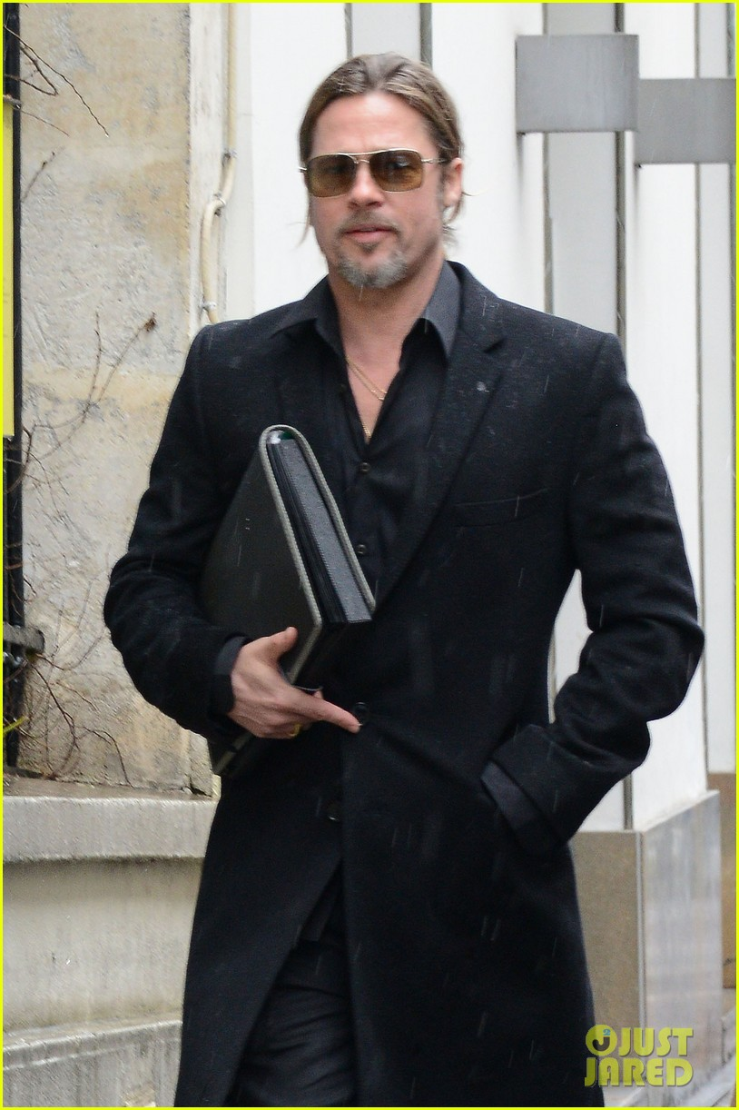brad pitt furniture shopping in paris 022827324