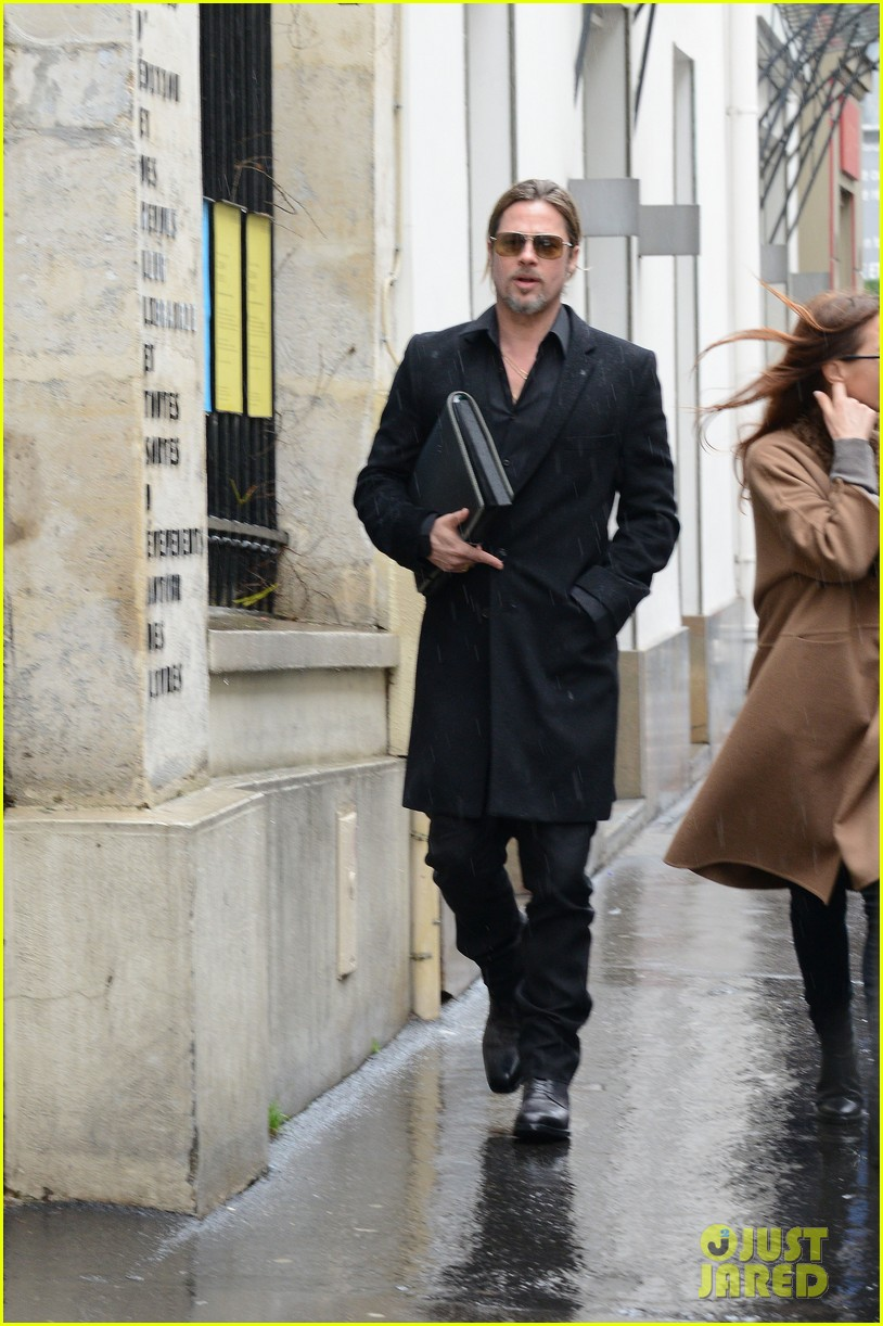 brad pitt furniture shopping in paris 052827327