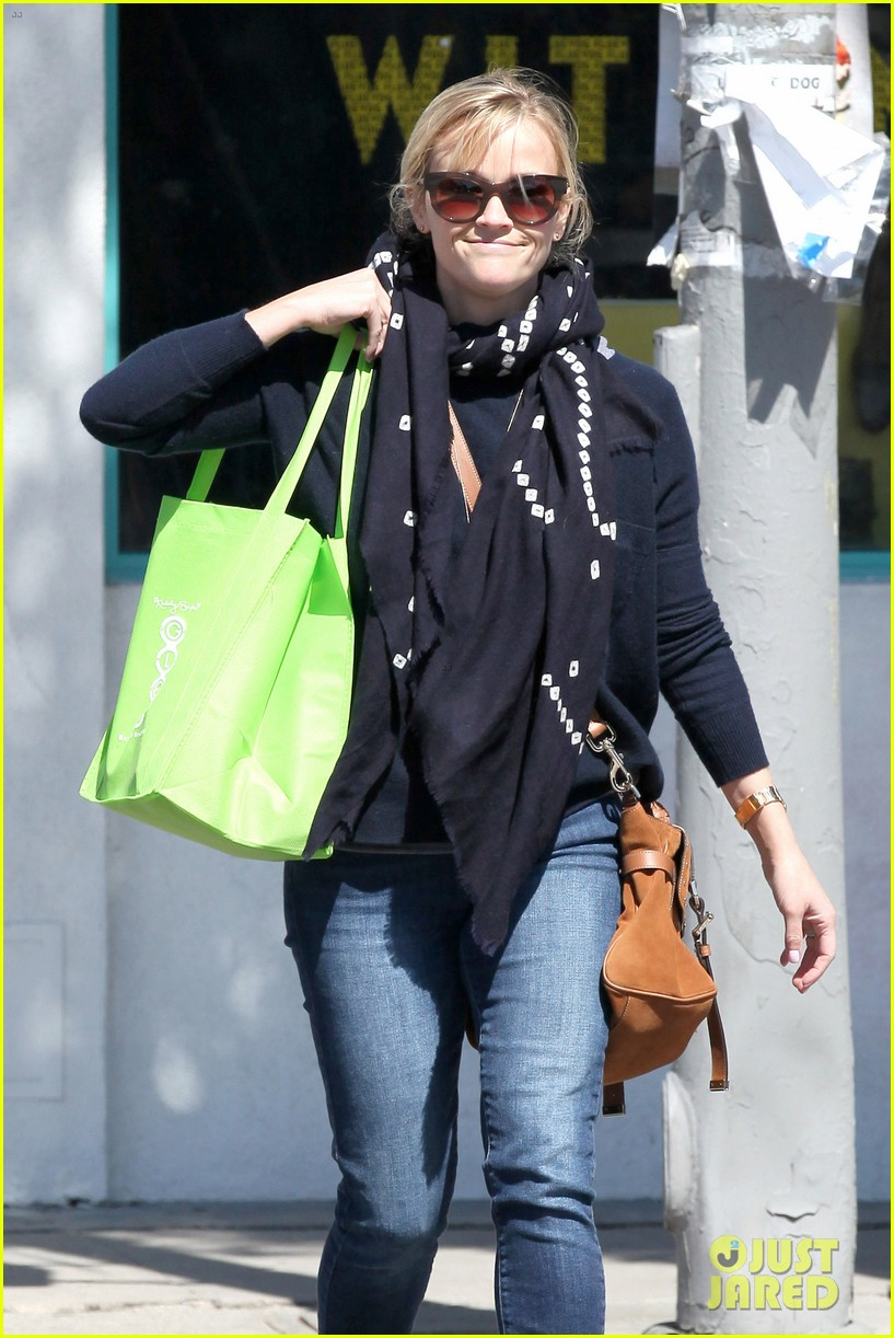 reese witherspoon sunday shopping spree 20
