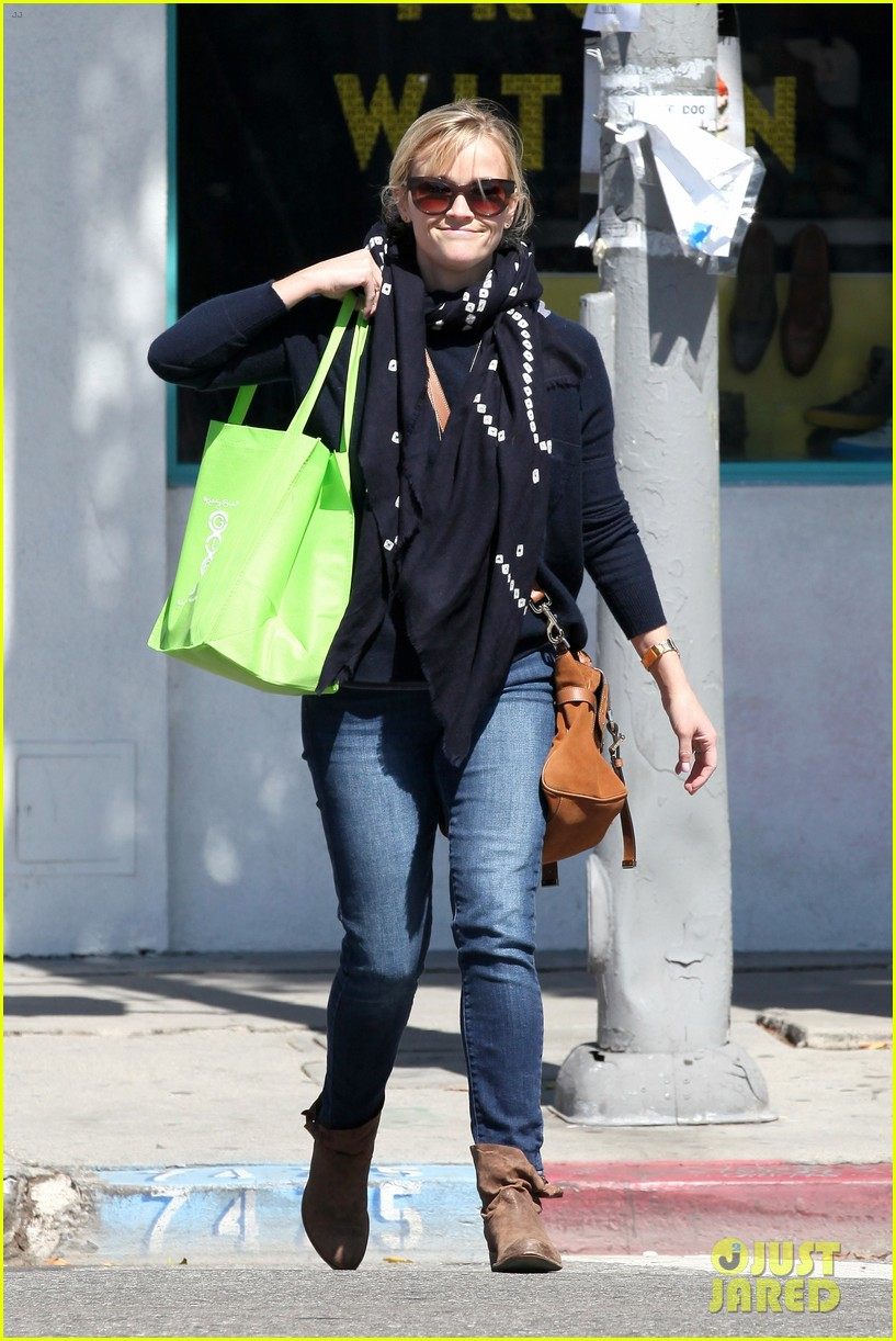 reese witherspoon sunday shopping spree 26