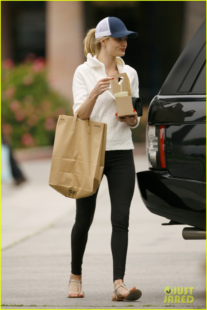 rosie huntington whiteley healthy juice run 04
