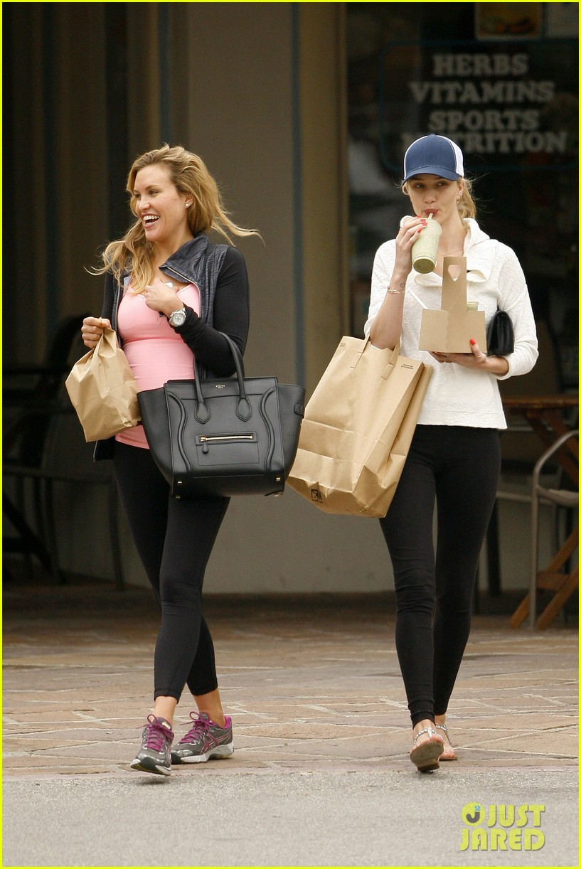 rosie huntington whiteley healthy juice run 152832433