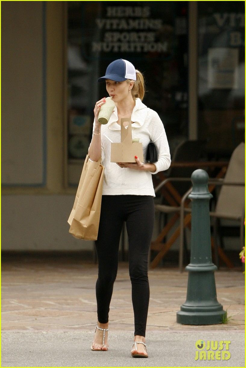 rosie huntington whiteley healthy juice run 19