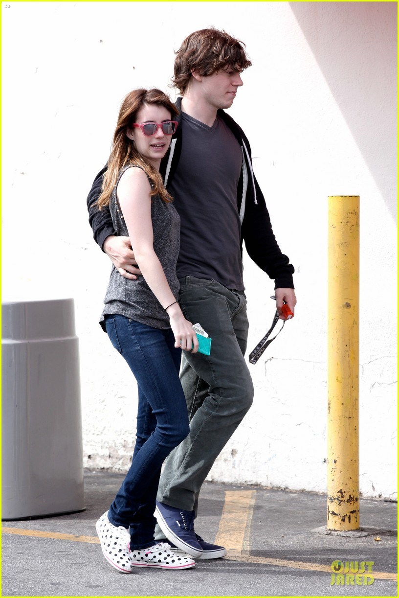 emma roberts evan peters cvs pharmacy stop 06