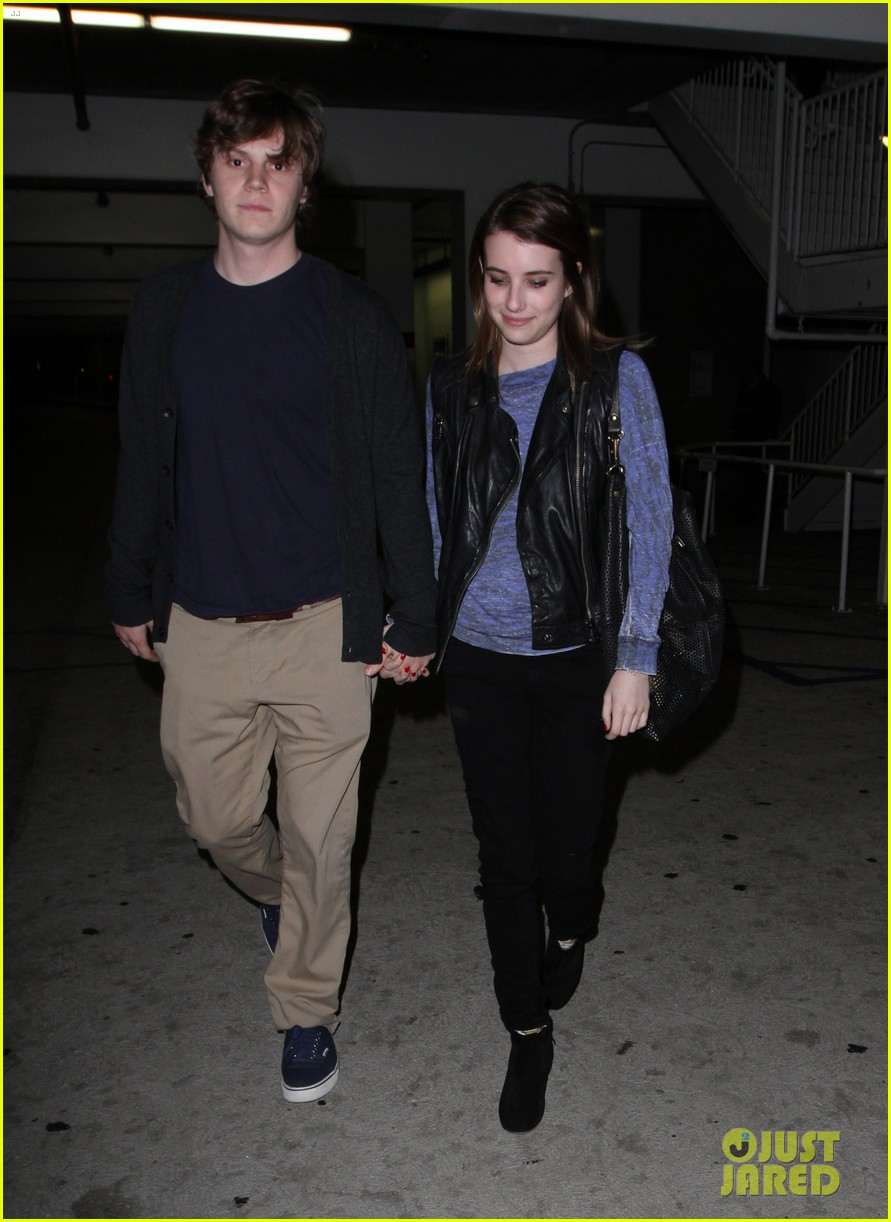 emma roberts evan peters movie date night 01