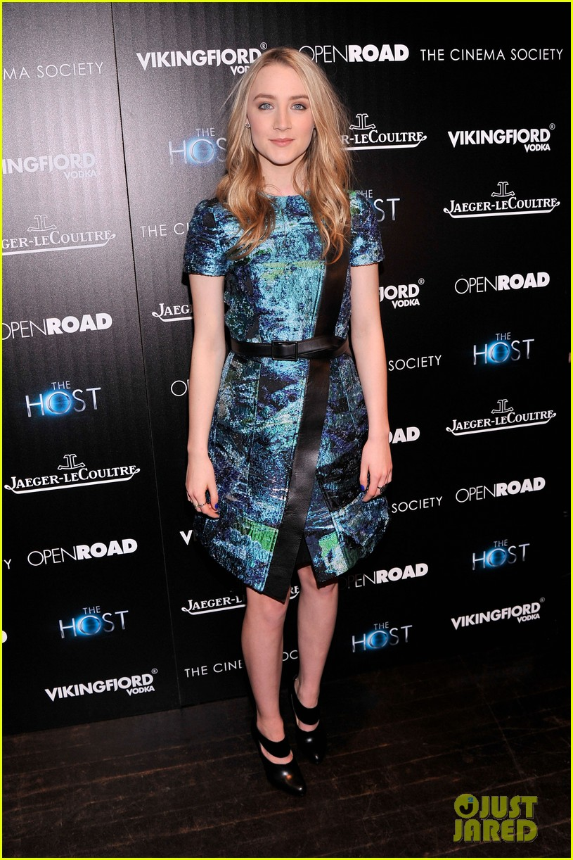 saoirse ronan max irons the host screening in nyc 01