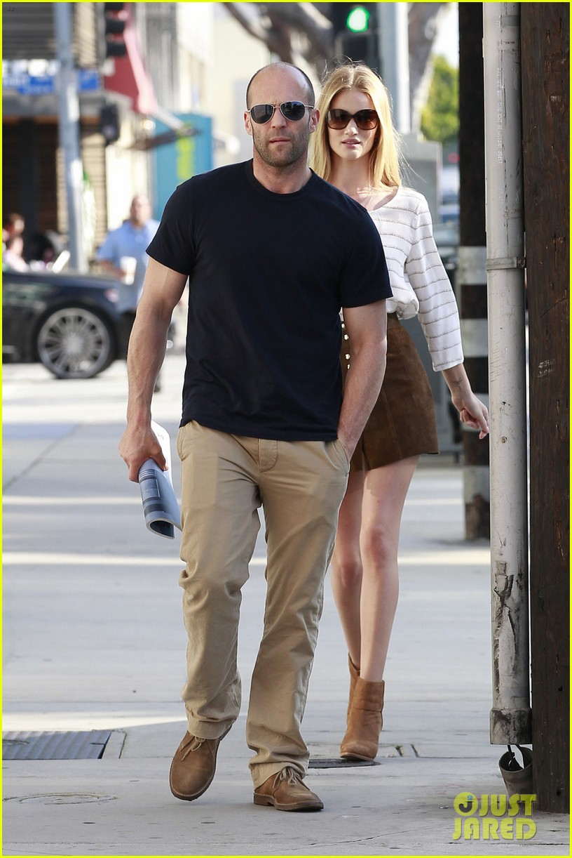 rosie huntington whiteley jason statham rug shopping 042839320
