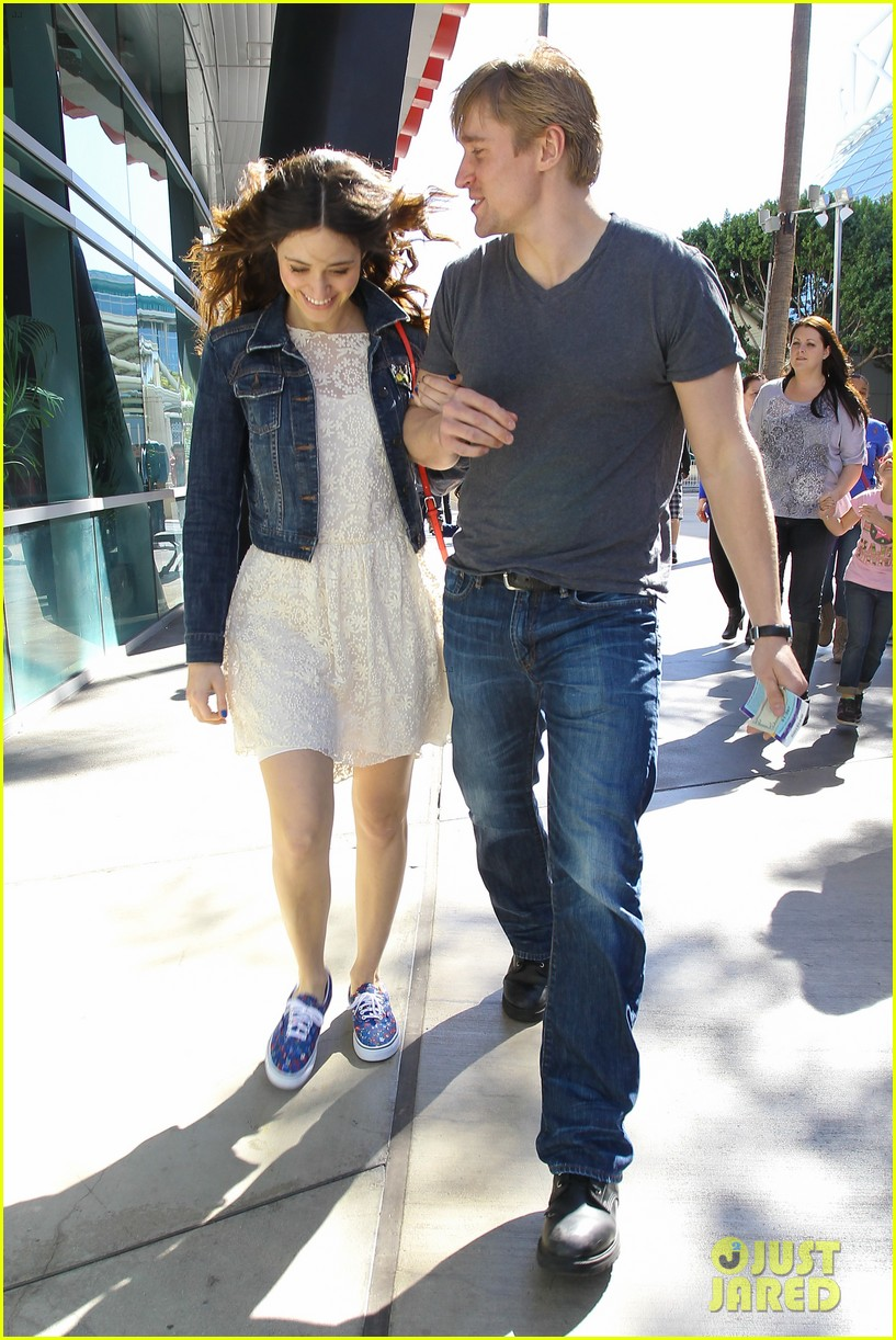 emmy rossum tyler jacob moore lakers game kiss 06
