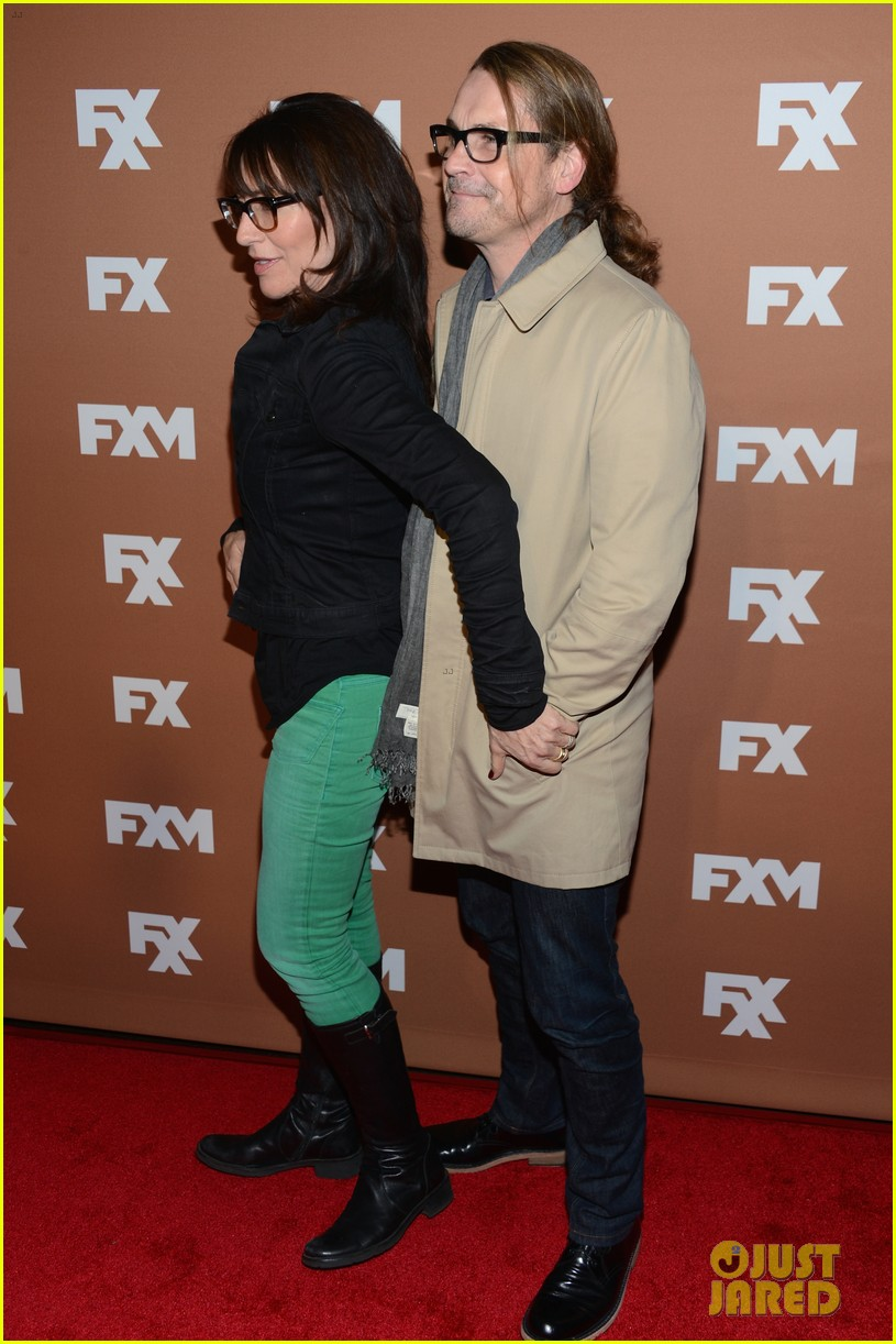 keri russell charlie hunnam fx upfront bowling event 25