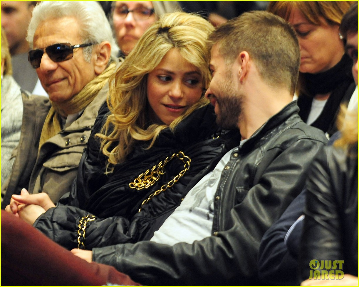shakira gerard pique fantasme book launch 092830981