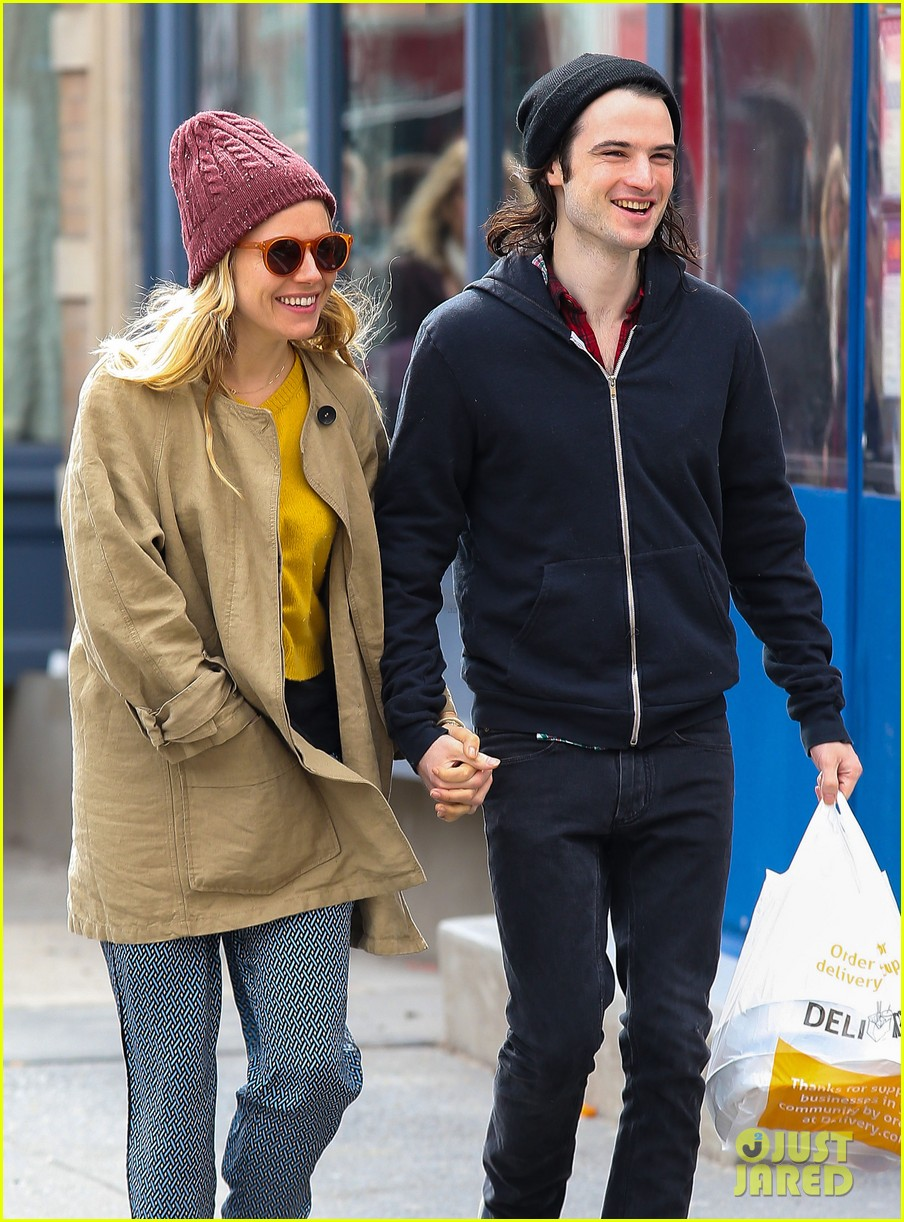 sienna miller tom sturridge hold hands in nyc 06