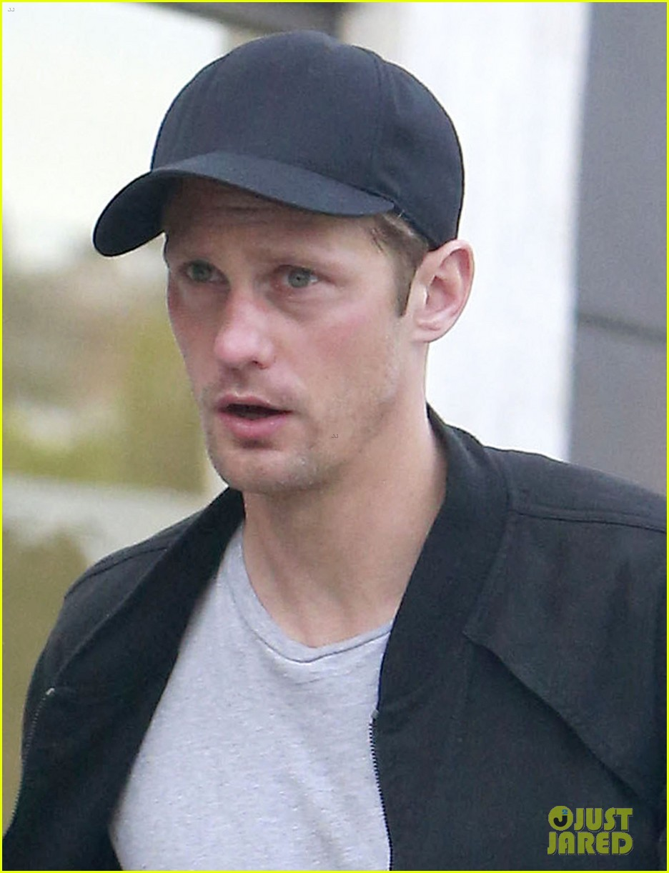 alexander skarsgard bruised eye in los angeles 11