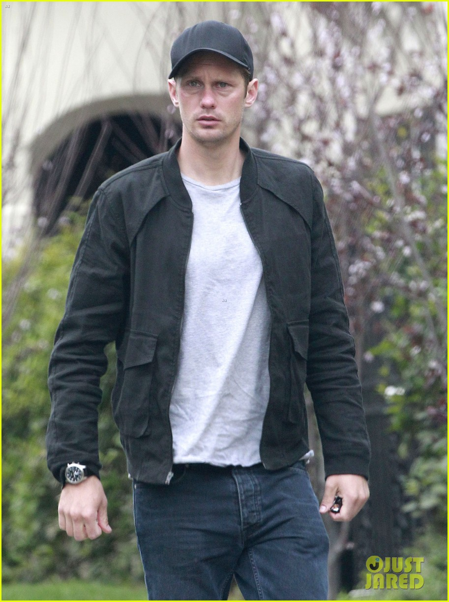 alexander skarsgard bruised eye in los angeles 15