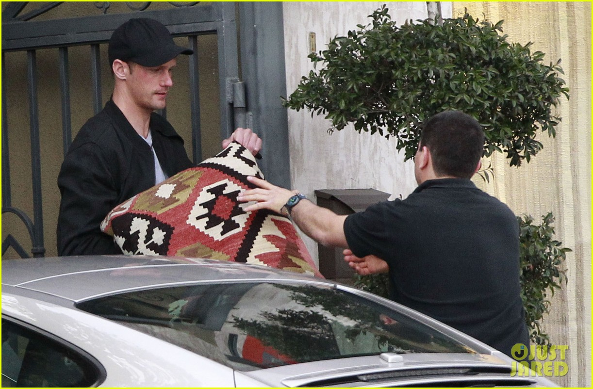 alexander skarsgard bruised eye in los angeles 26