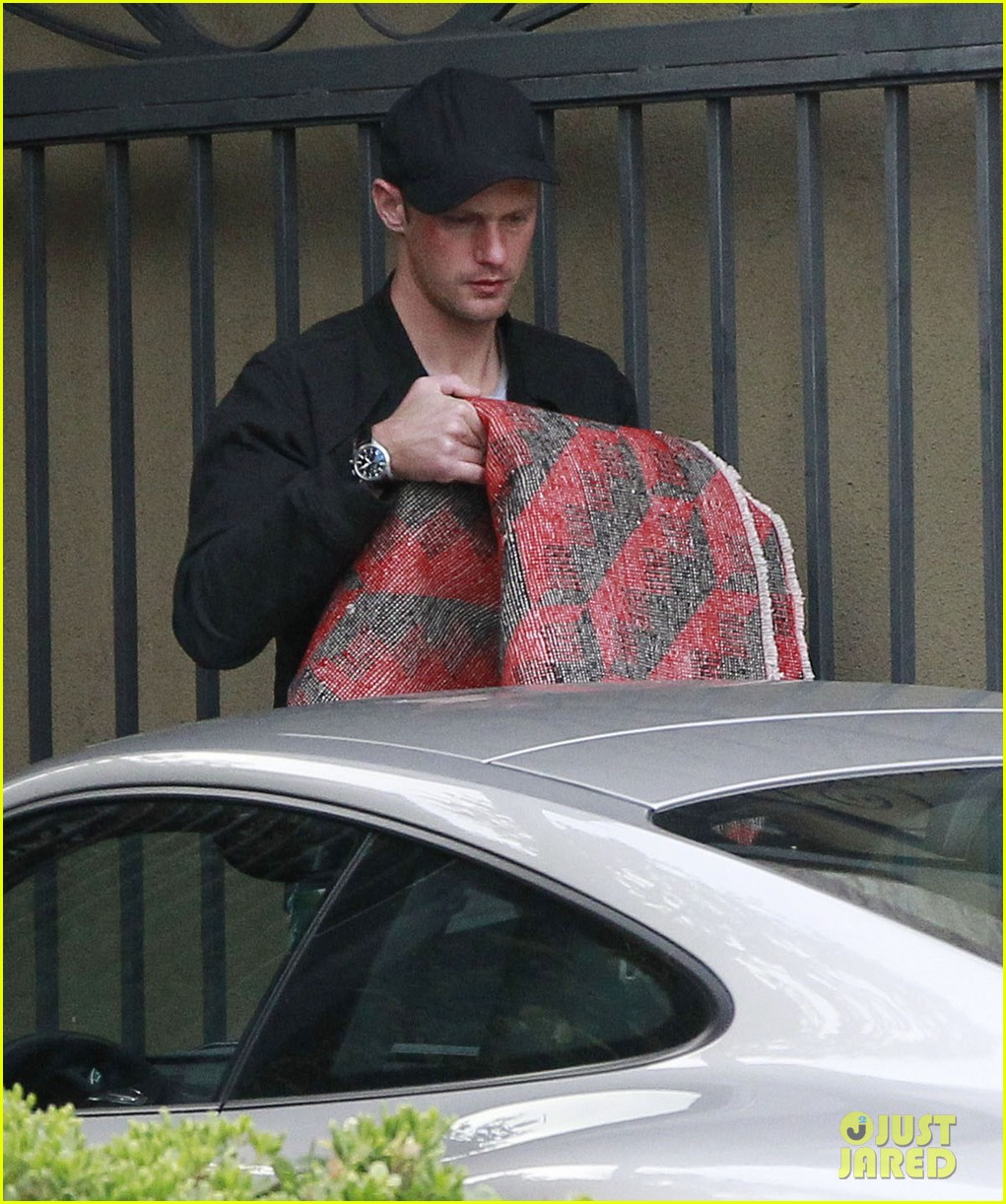alexander skarsgard bruised eye in los angeles 27