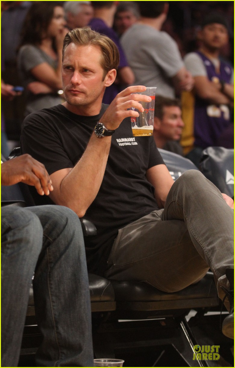 alexander skarsgard lakers game spectator 07
