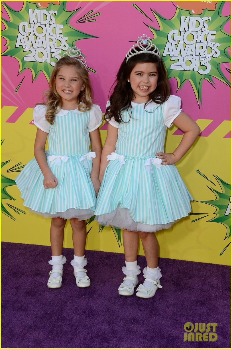 sophia grace rosie kids choice awards 2013 red carpet 03