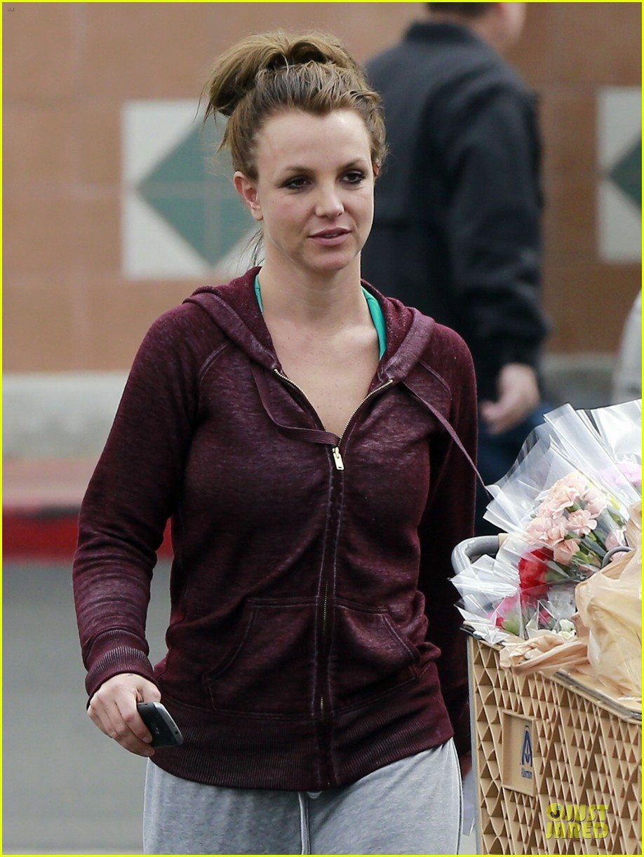 britney spears flowering grocery stop 04
