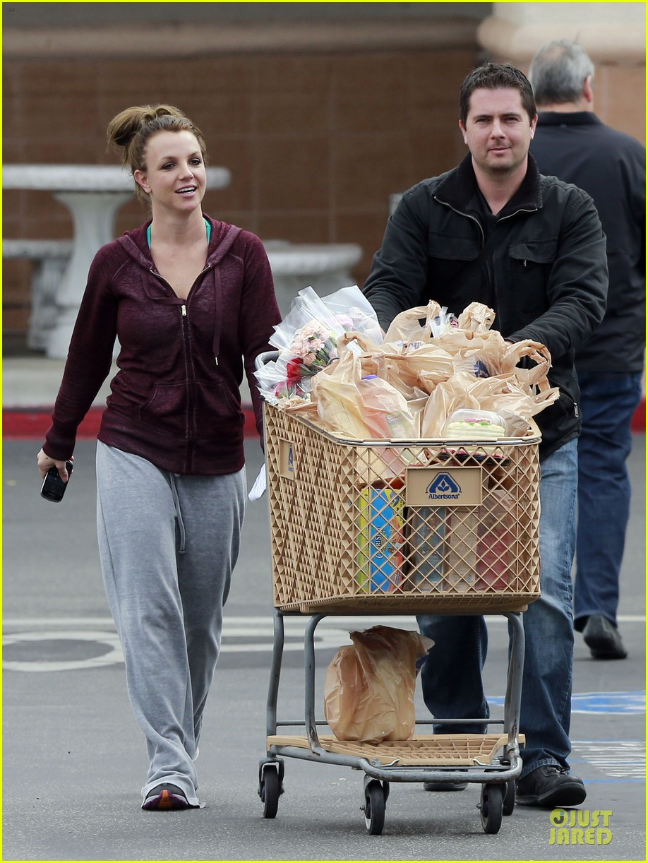britney spears flowering grocery stop 07