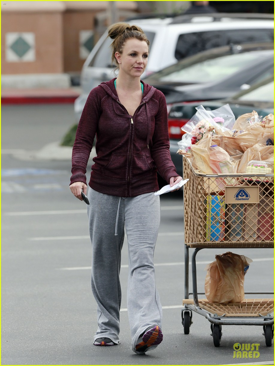 britney spears flowering grocery stop 17