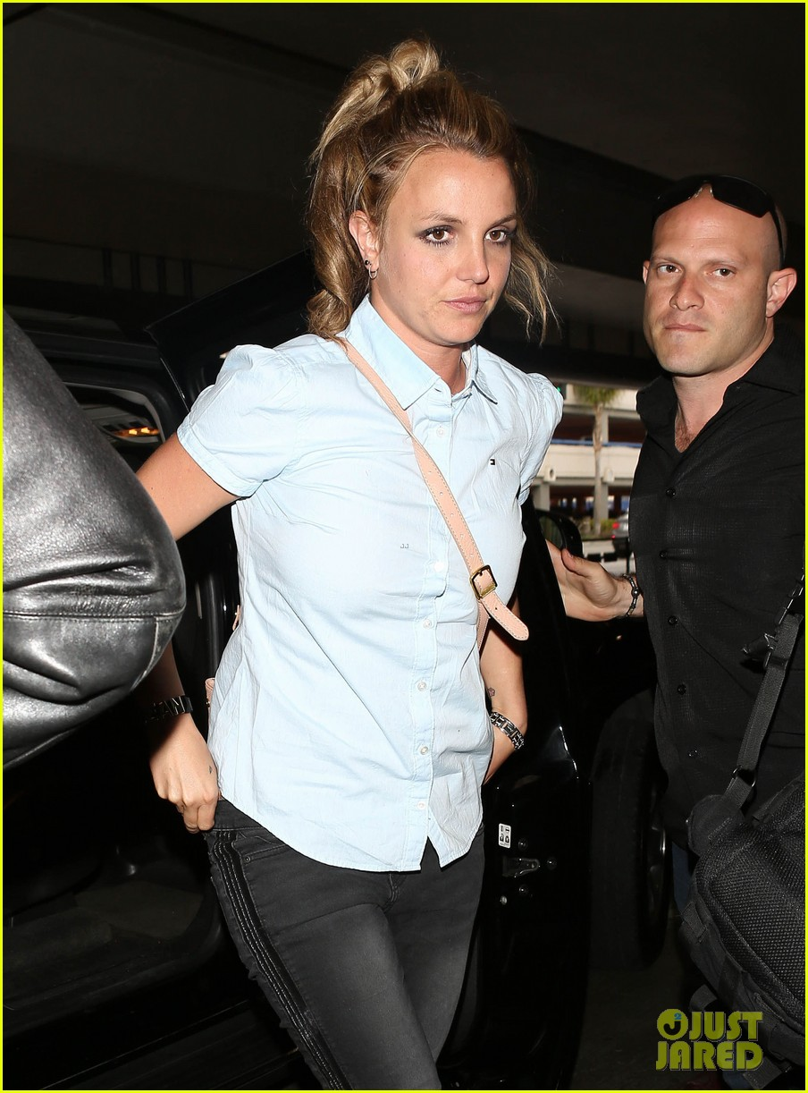 britney spears jets to new orleans with the boys 12