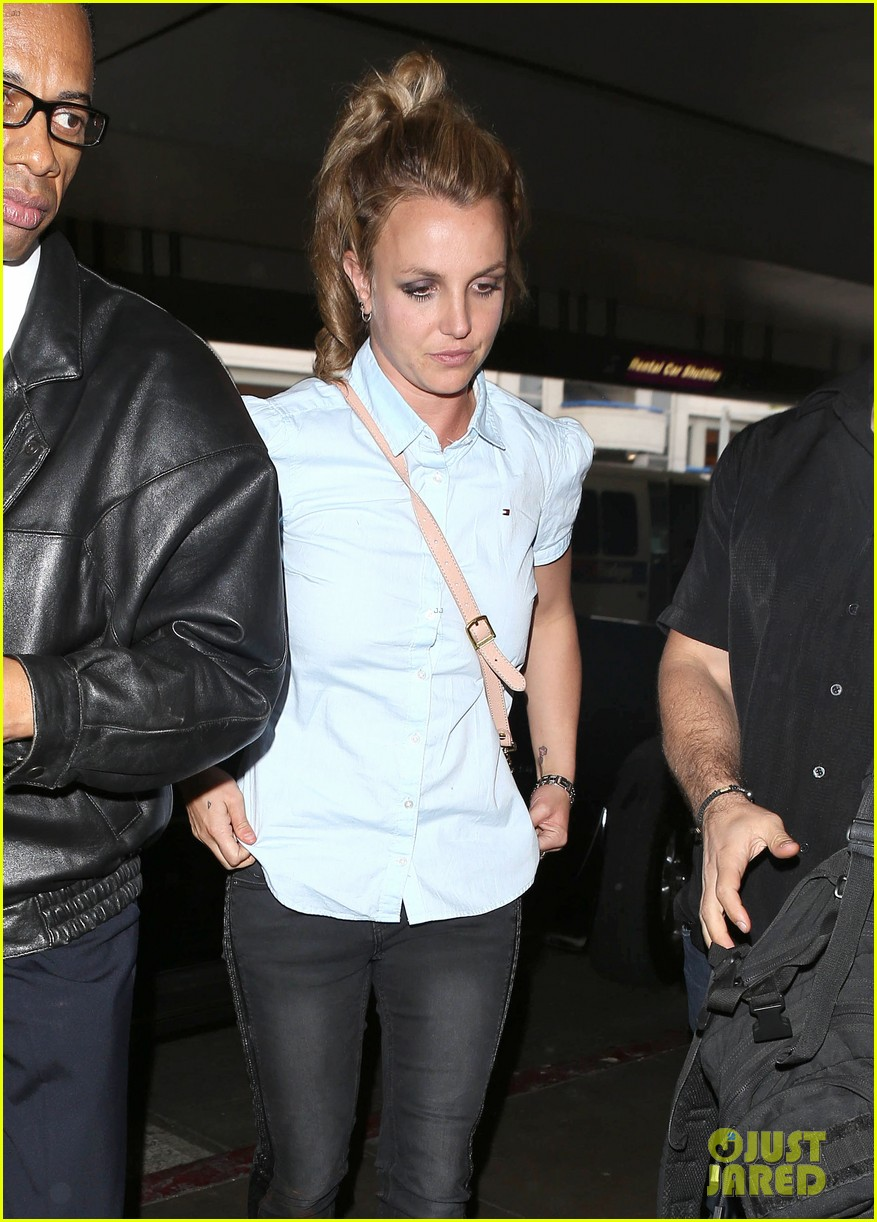 britney spears jets to new orleans with the boys 14