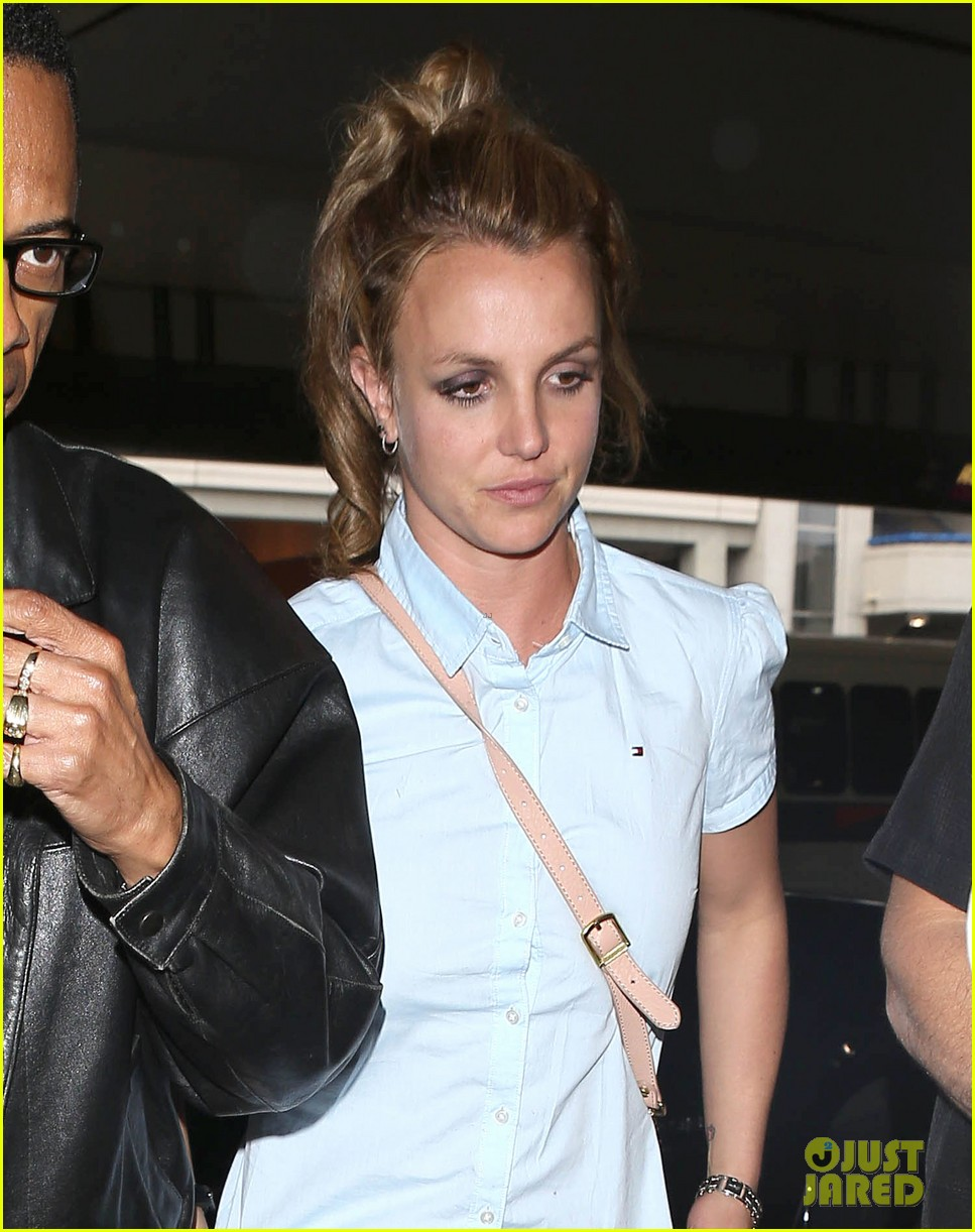 britney spears jets to new orleans with the boys 15
