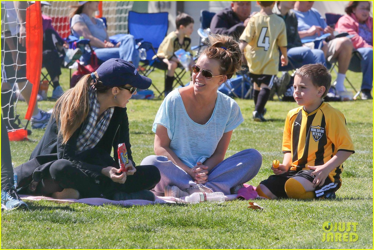 britney spears sunday soccer mom 132828480