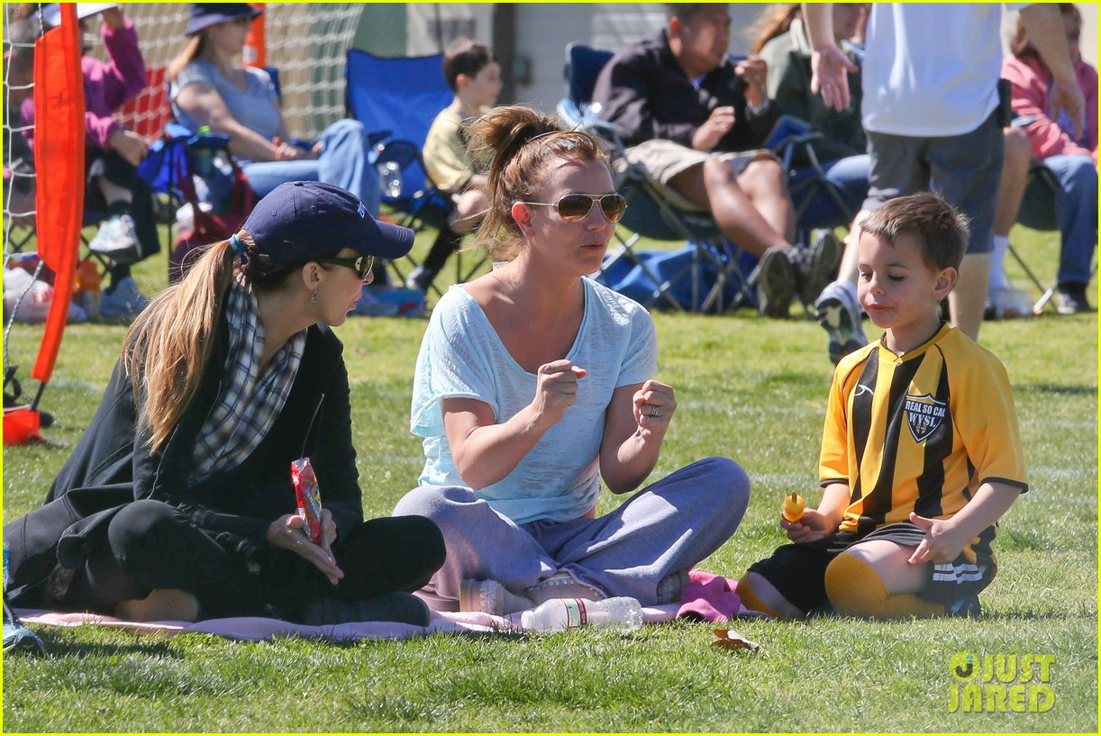 britney spears sunday soccer mom 15