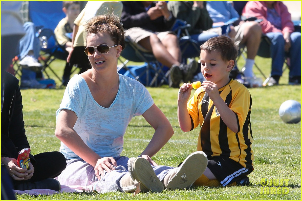 britney spears sunday soccer mom 162828483