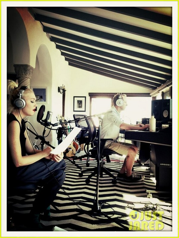 gwen stefani back in the studio with no doubt 022829963