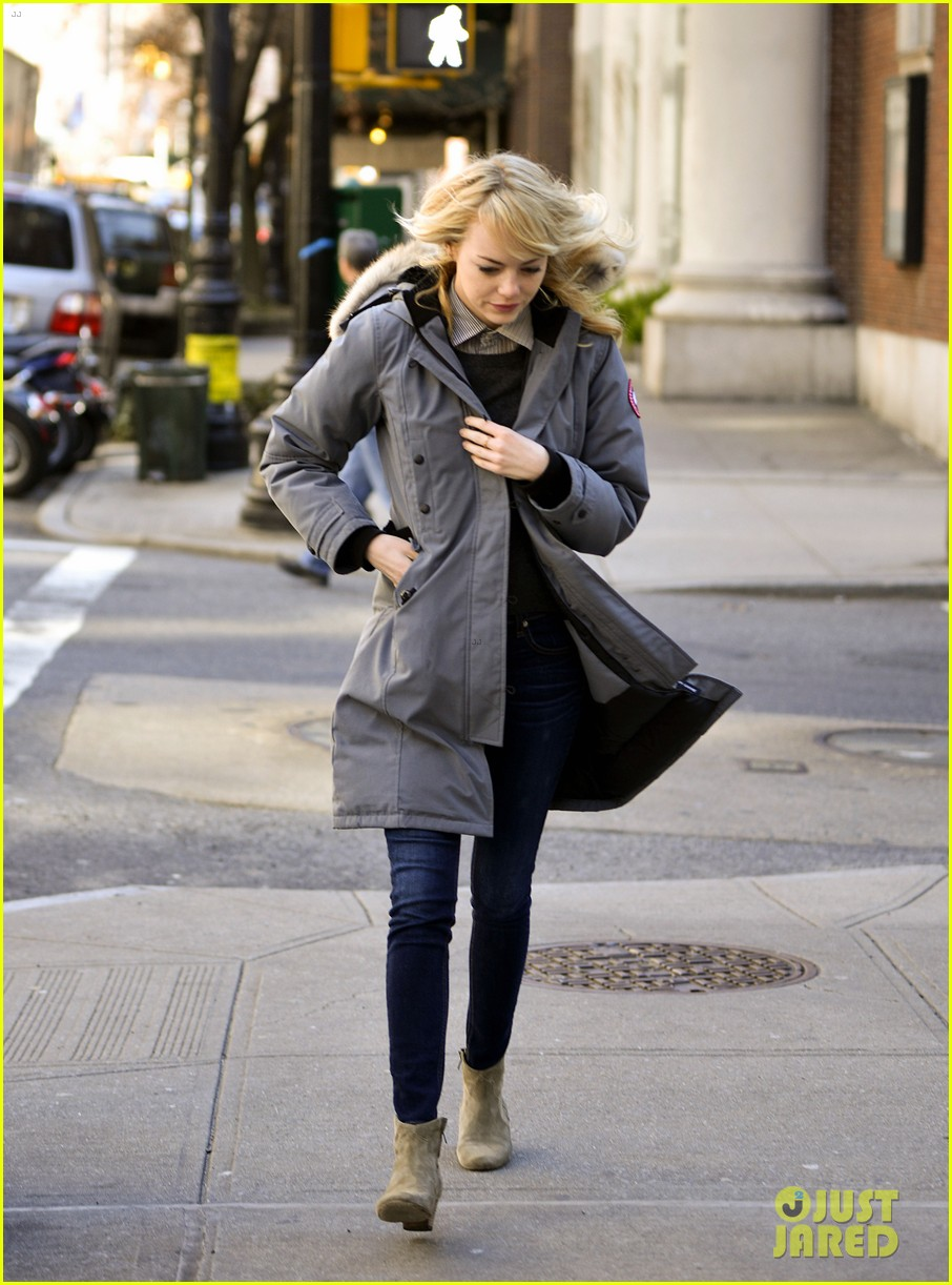 emma stone andrew garfield bundle up in canada goose 012824871