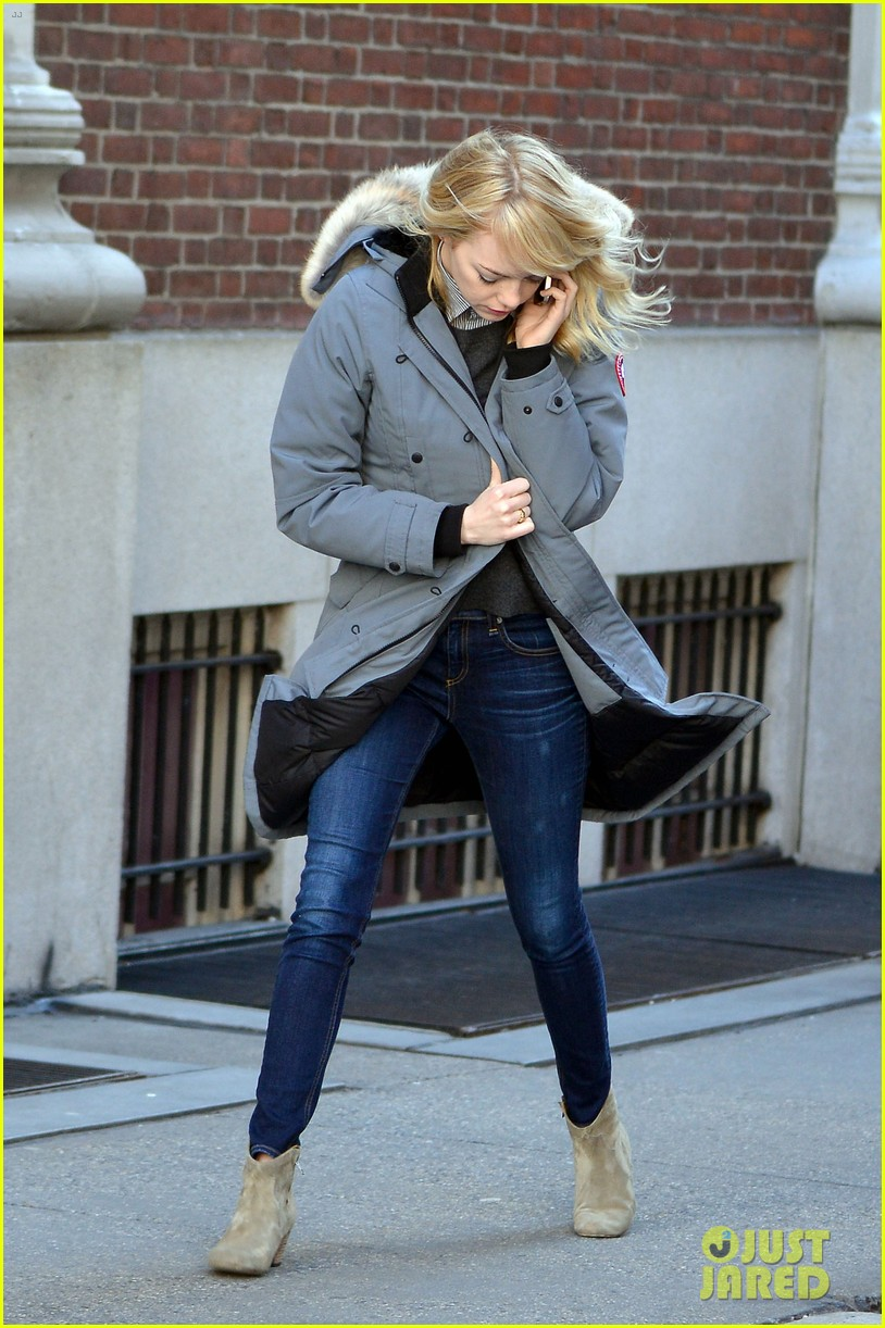 emma stone andrew garfield bundle up in canada goose 07