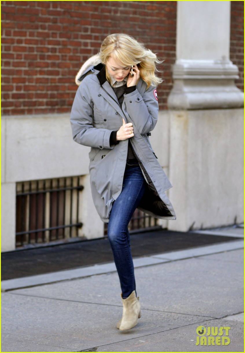 emma stone andrew garfield bundle up in canada goose 11